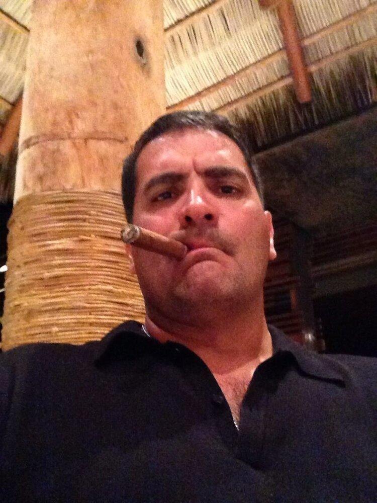 Izzy Pic w:Cigar.JPG