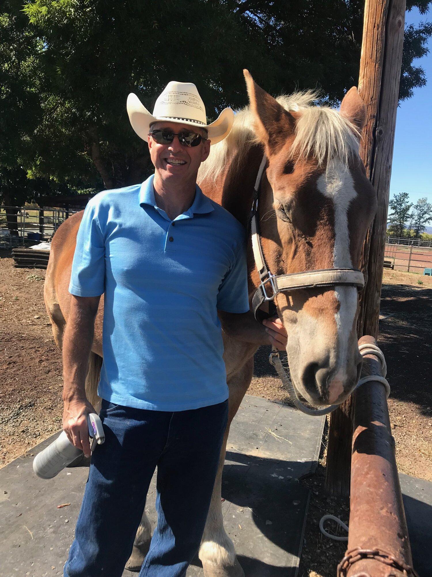 Brad G w.Horse.jpg