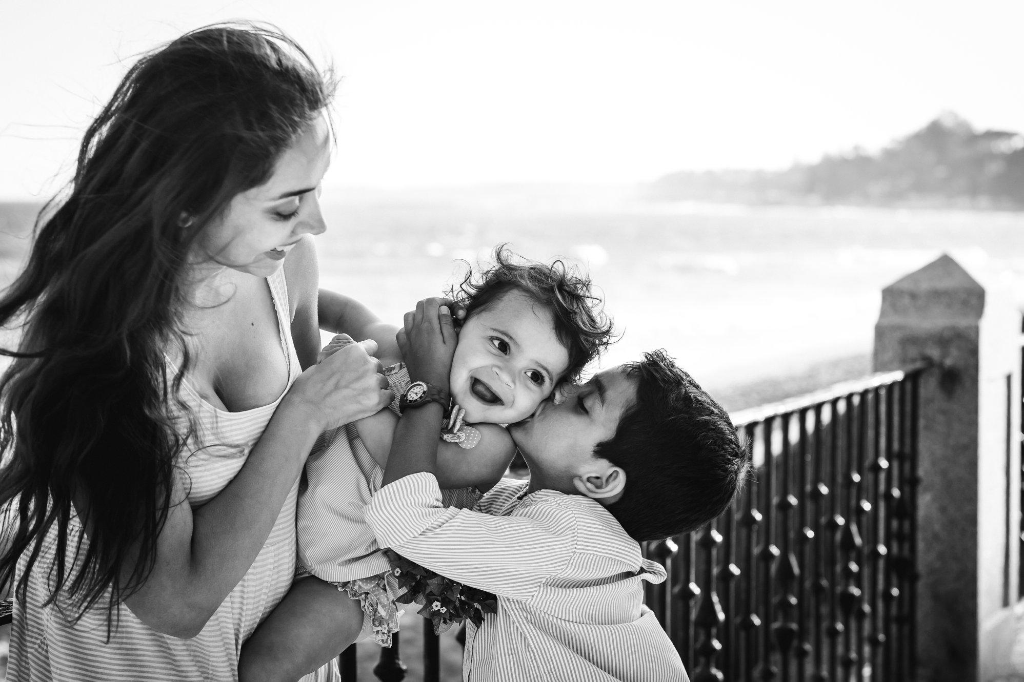 Mum and kids on boardwalk in Marbella