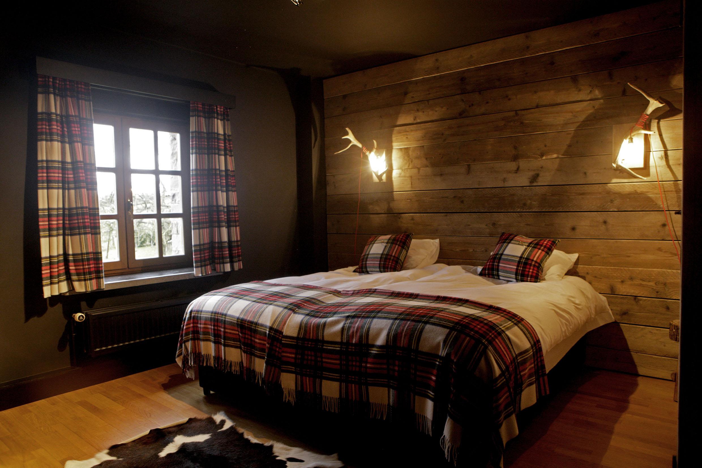 6 slaapkamers met 2 eenpersoonsbedden