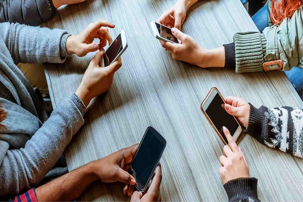 Mobile-Technology-addiction-1.jpg