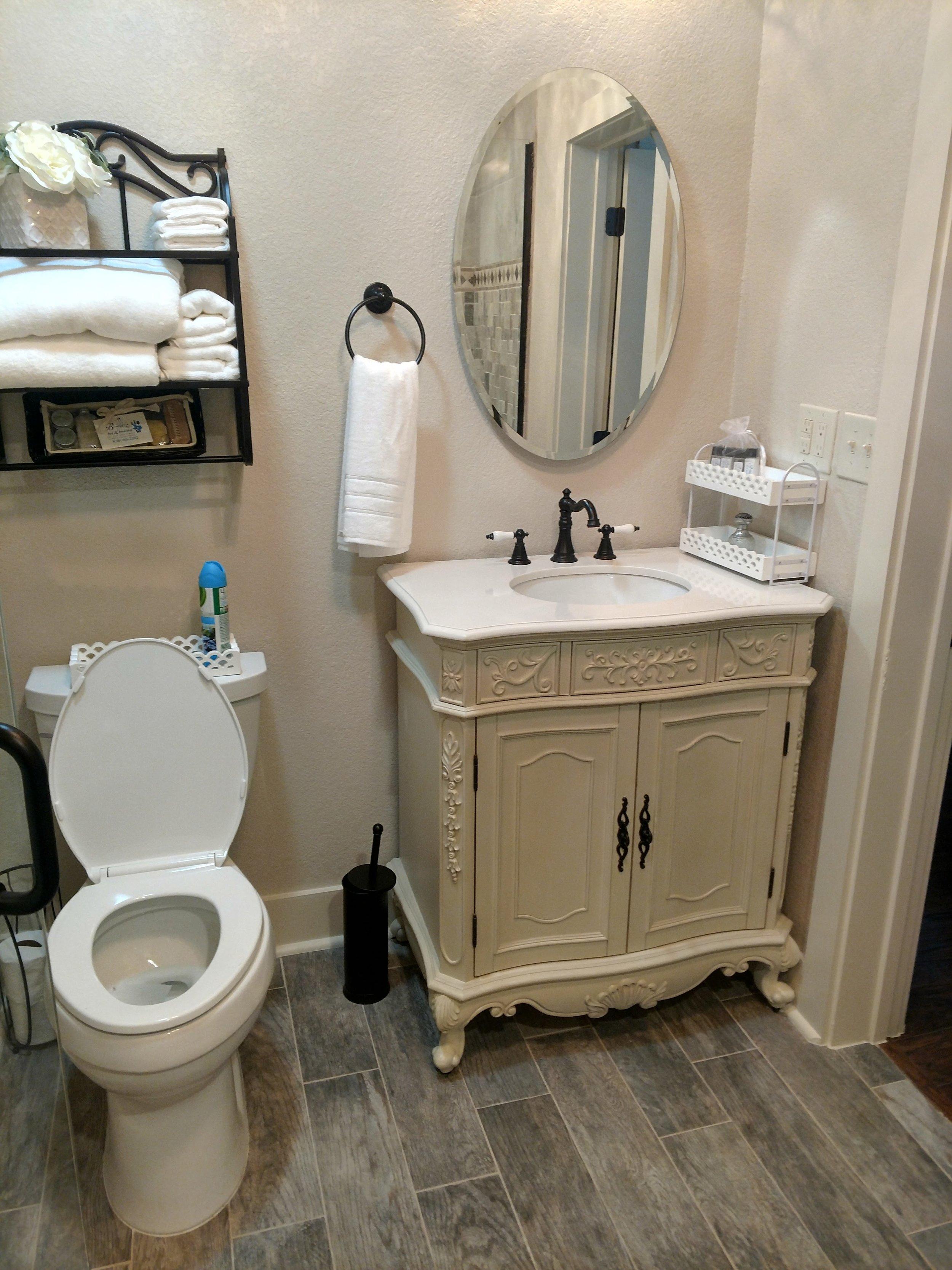Big House_Bathroom king A stool and vanity.jpg
