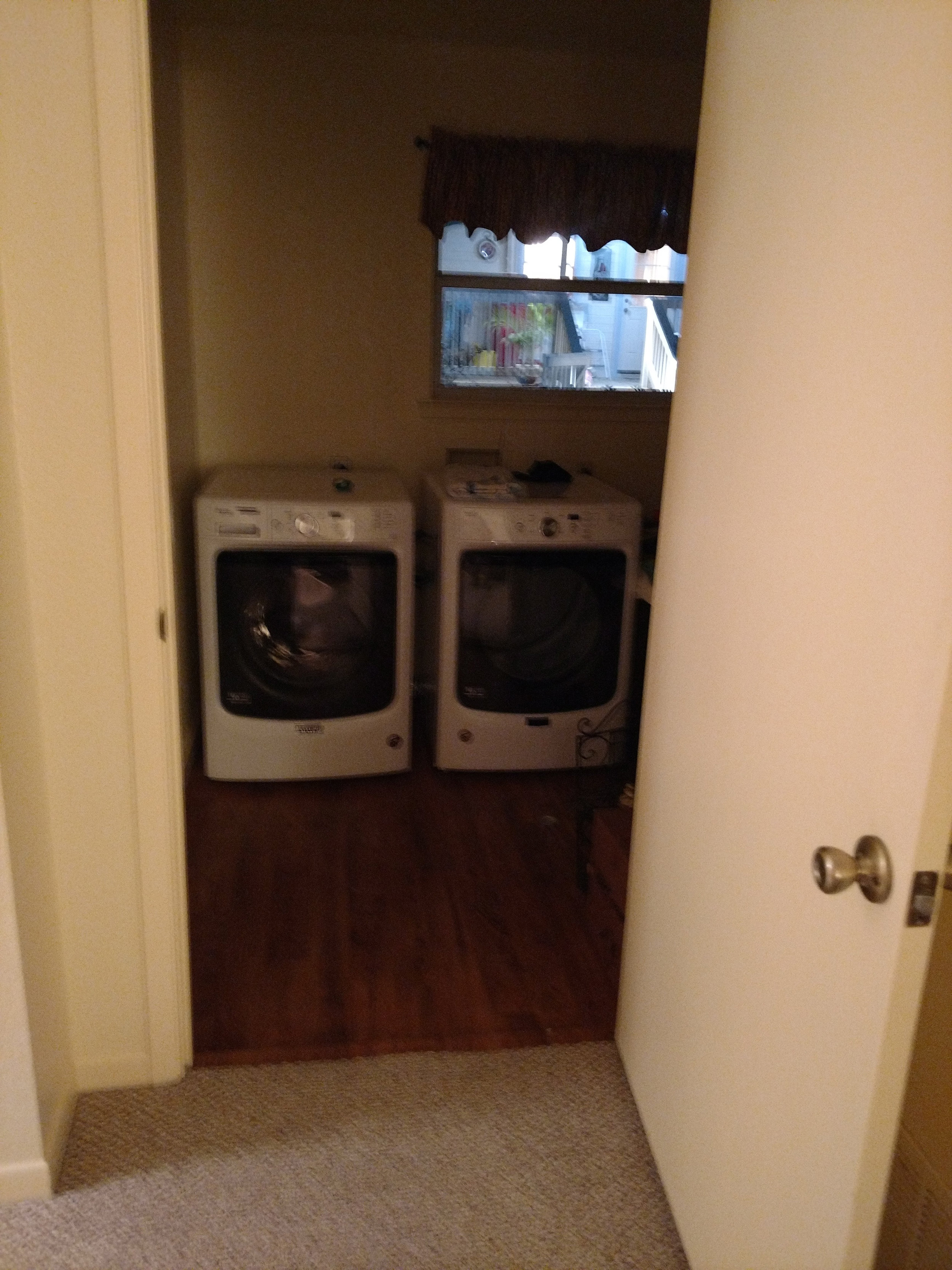 washer and dryer in Grande Room