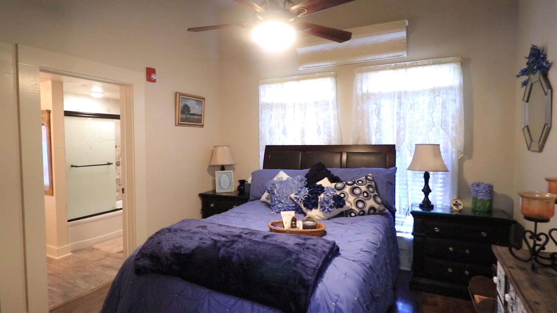 full view of room.jpg