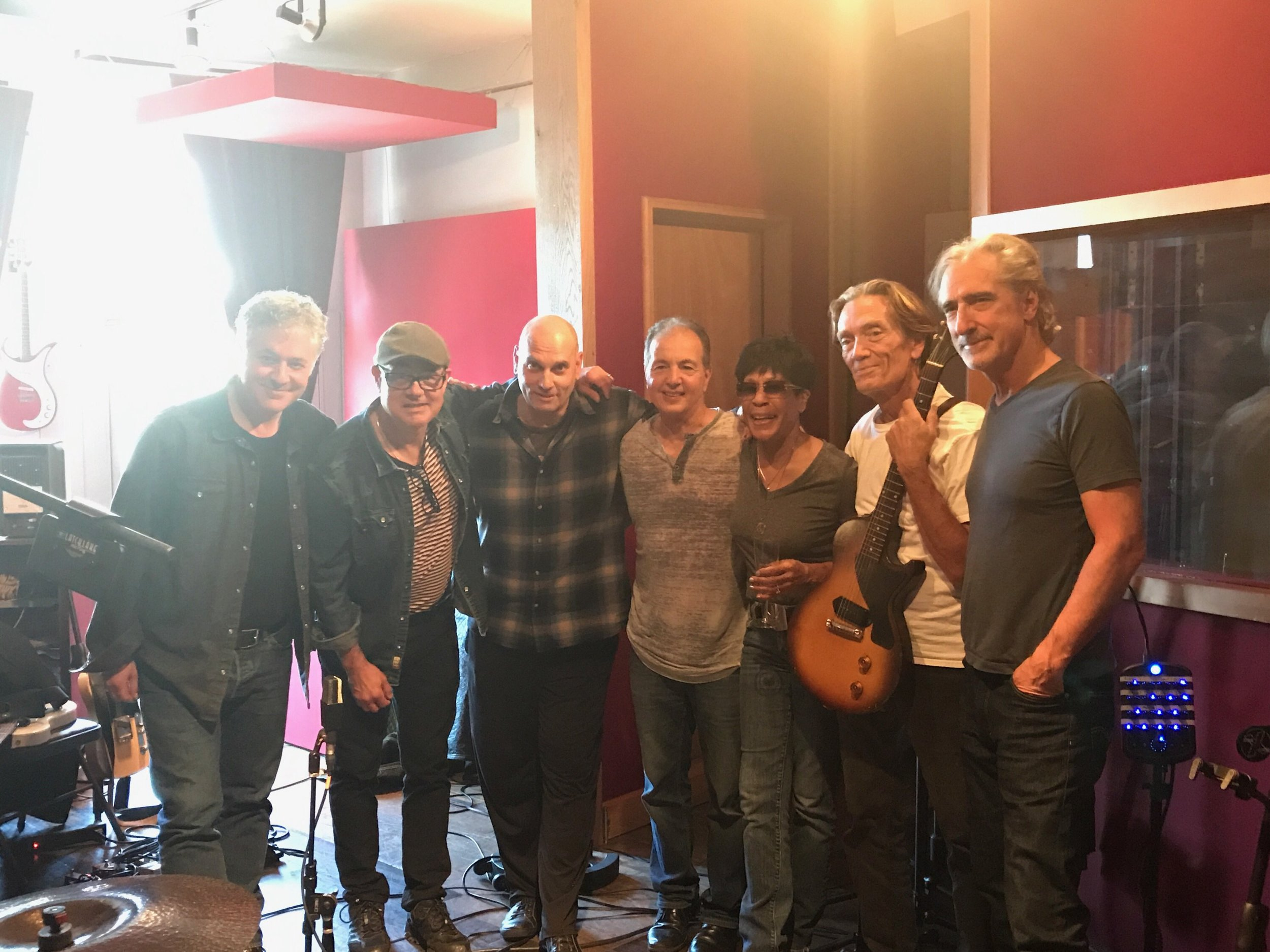 Duke Levine, Charlie Giordano, M. Giovino, Phil Butler, Bettye LaVette, G.E. Smith, John Leventhal; NYC