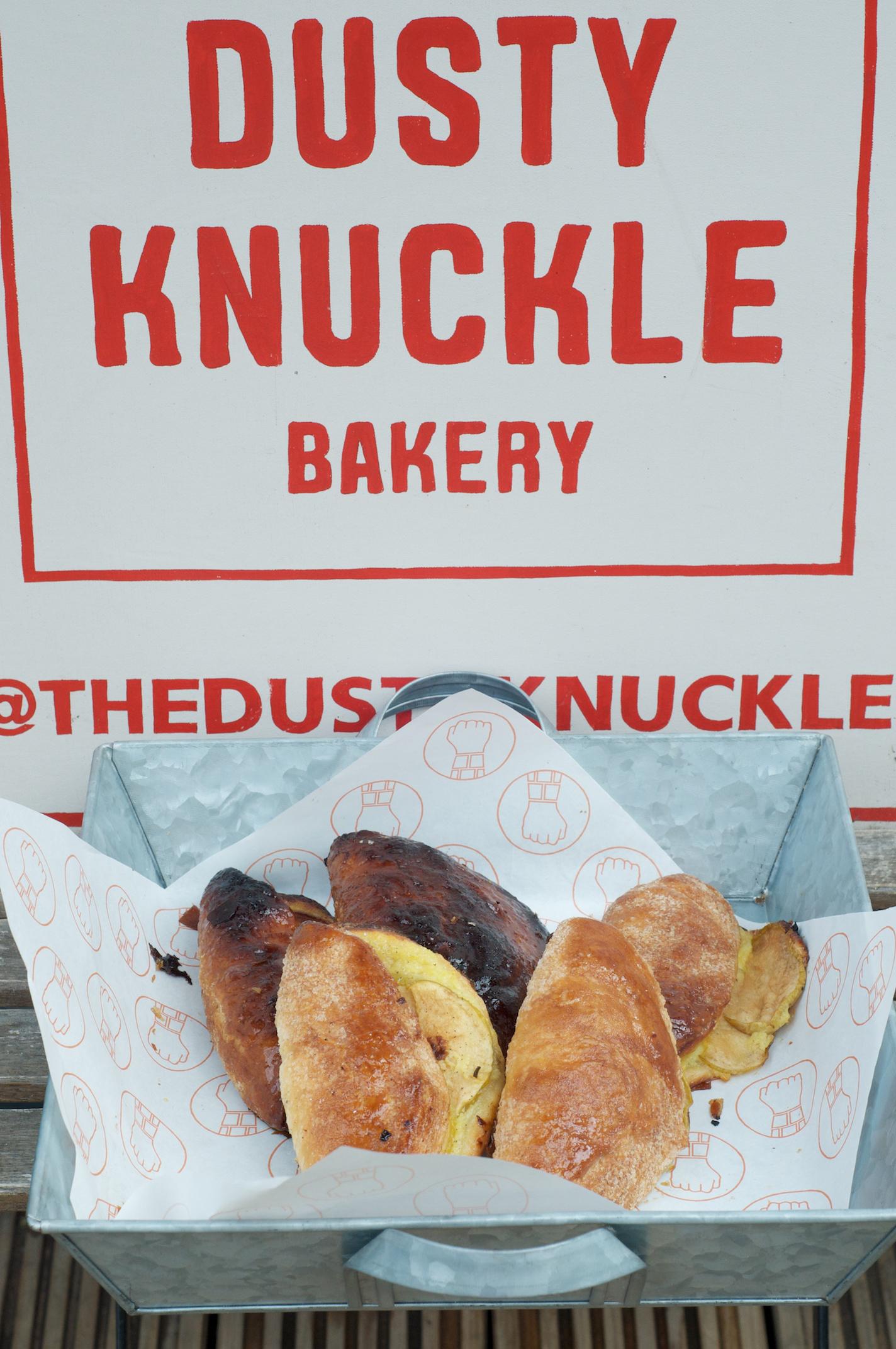 Dusty-Knuckle-sign.jpg