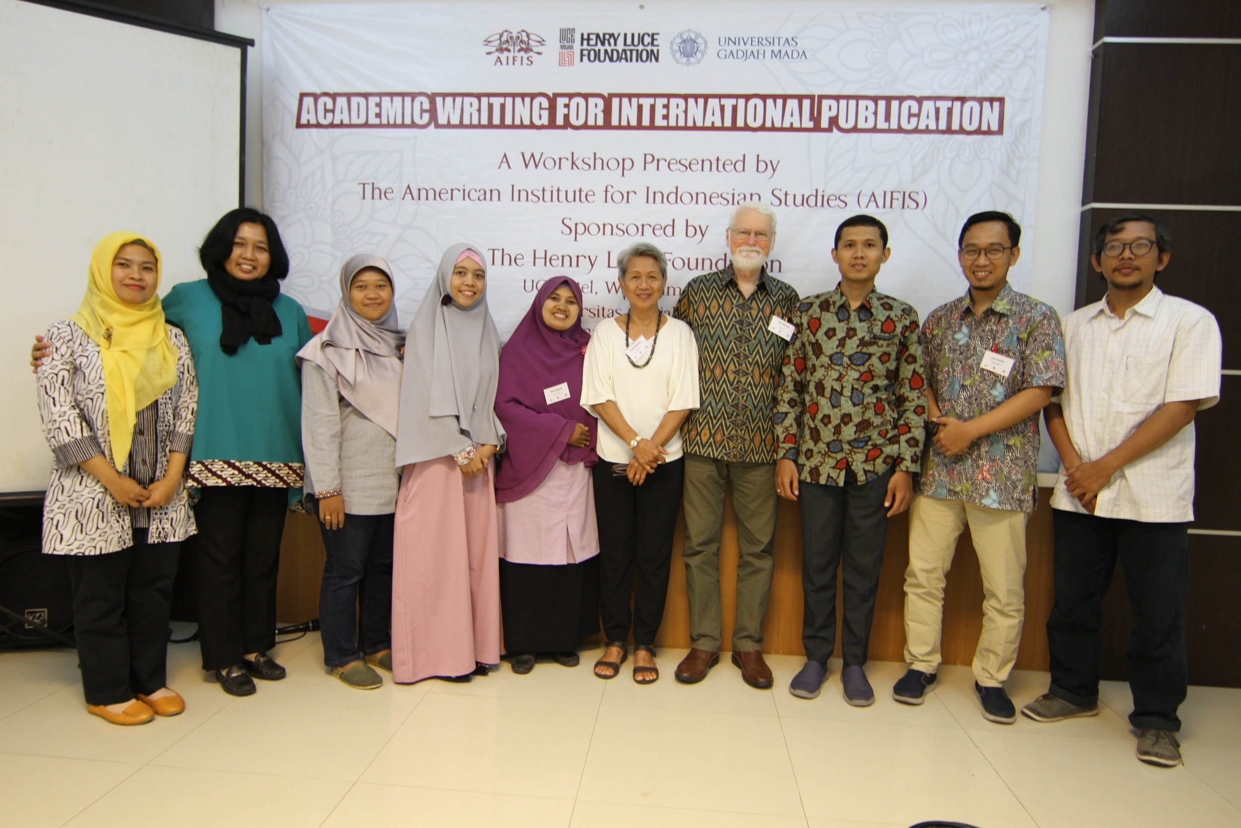 12. Academic Writing for International Publication at  Universitas Gadjah Mada Yogyakarta with Paul Kratoska.JPG