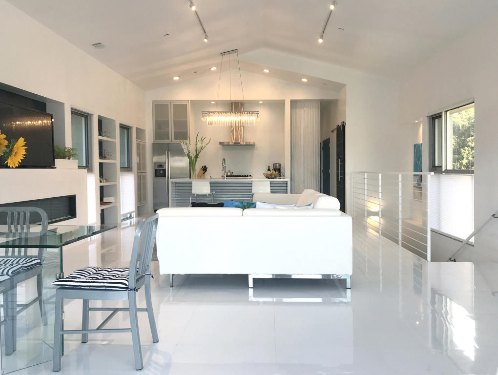 Interior Shot looking at Kitchen.jpg