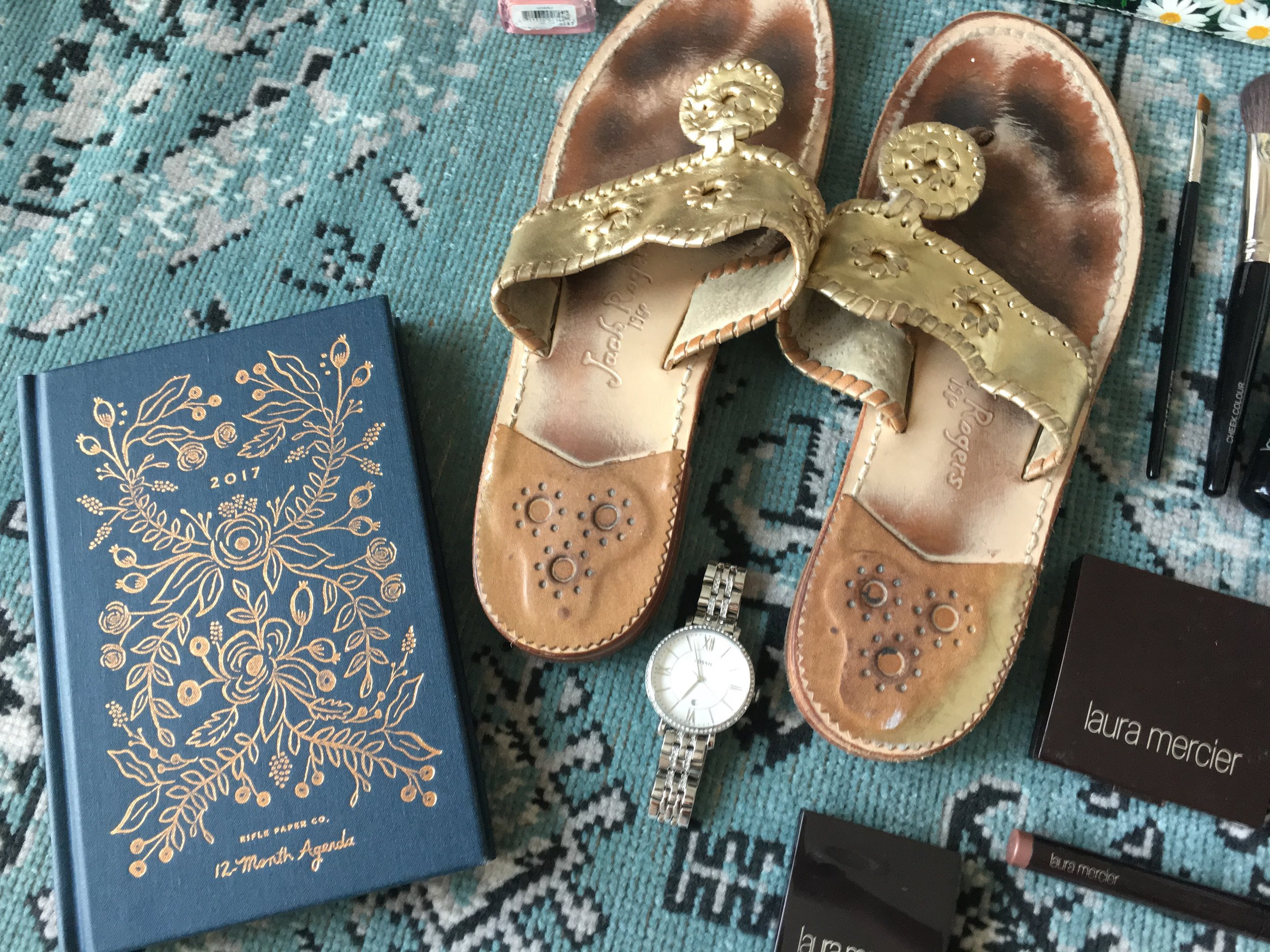 Agenda :  Rifle and Co    Shoes :   Jack Rogers