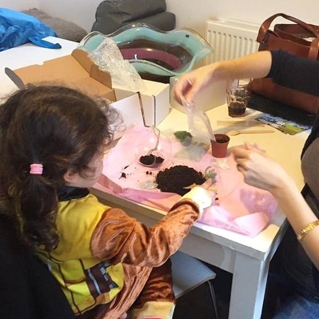 Just two weeks away until our next public workshop!! Hosted by @thecollective_market at @streetfeastldn we can't wait for you to join us making your own terrariums. Swipe to see an example of what you can expect to make.  It's also a great opportunity to go ahead and do something with your mum as a belated mother's Day gift and have a chance to sit down and bond. Whatever age you are, we guarantee you'll be glad you took part.  To buy tickets to our workshop check the link in our bio 🙌🏻🙌🏻 🌵♥️