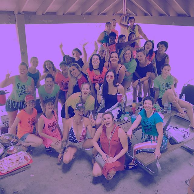 Last week we got together with 50 of our closest friends and had a 4th of July bbq. #butterandfilth #lifestyle #fun #friends #yeswegaveawaytshirts #cornpoles