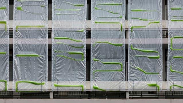 5-these-algae-filled-urban-curtains-suck-co2-from-the-air-813x457.jpg