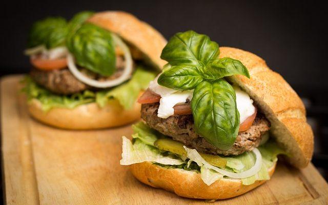 hamburger-494706_640-640x400.jpg