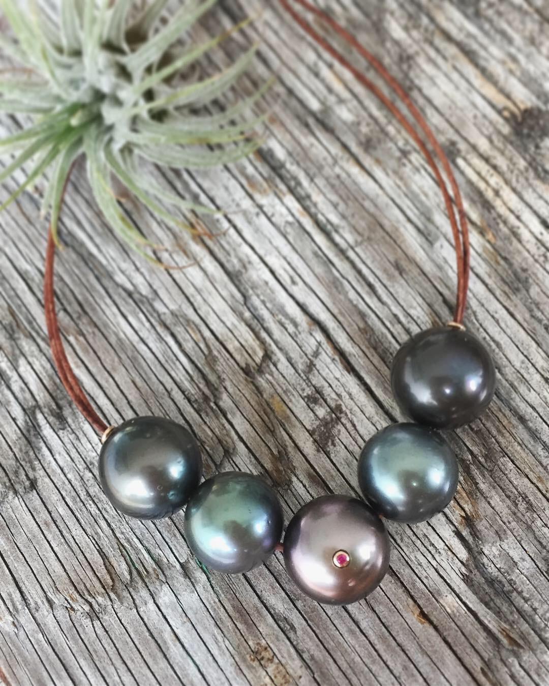 verena-strigler-tahitian-pearl-black-necklace-leather-rose-gold-pink-sapphire-vancouver.jpg