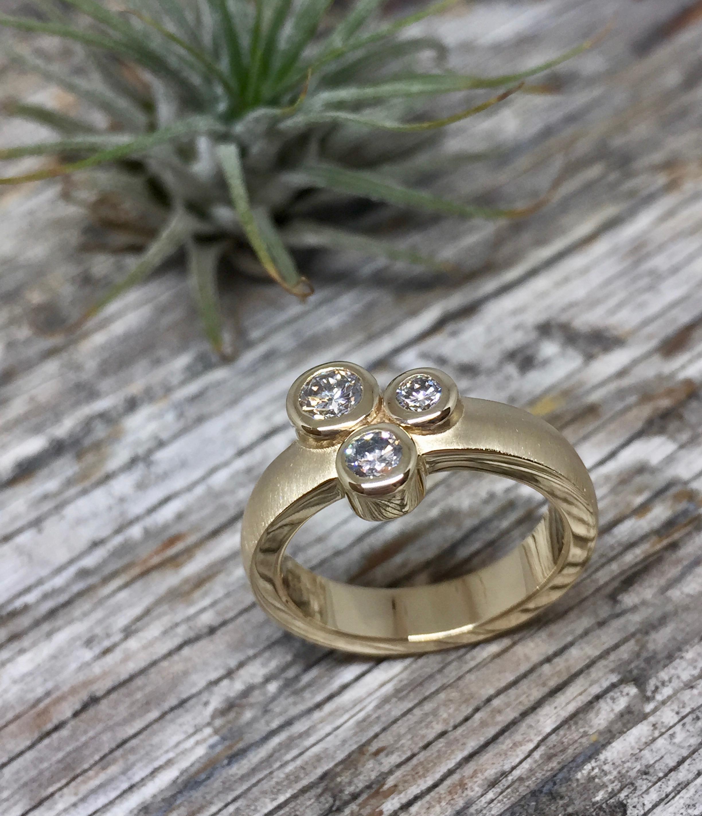 verena-strigler-diamond--three-stone-ring-yellow-gold-vancouver.jpg