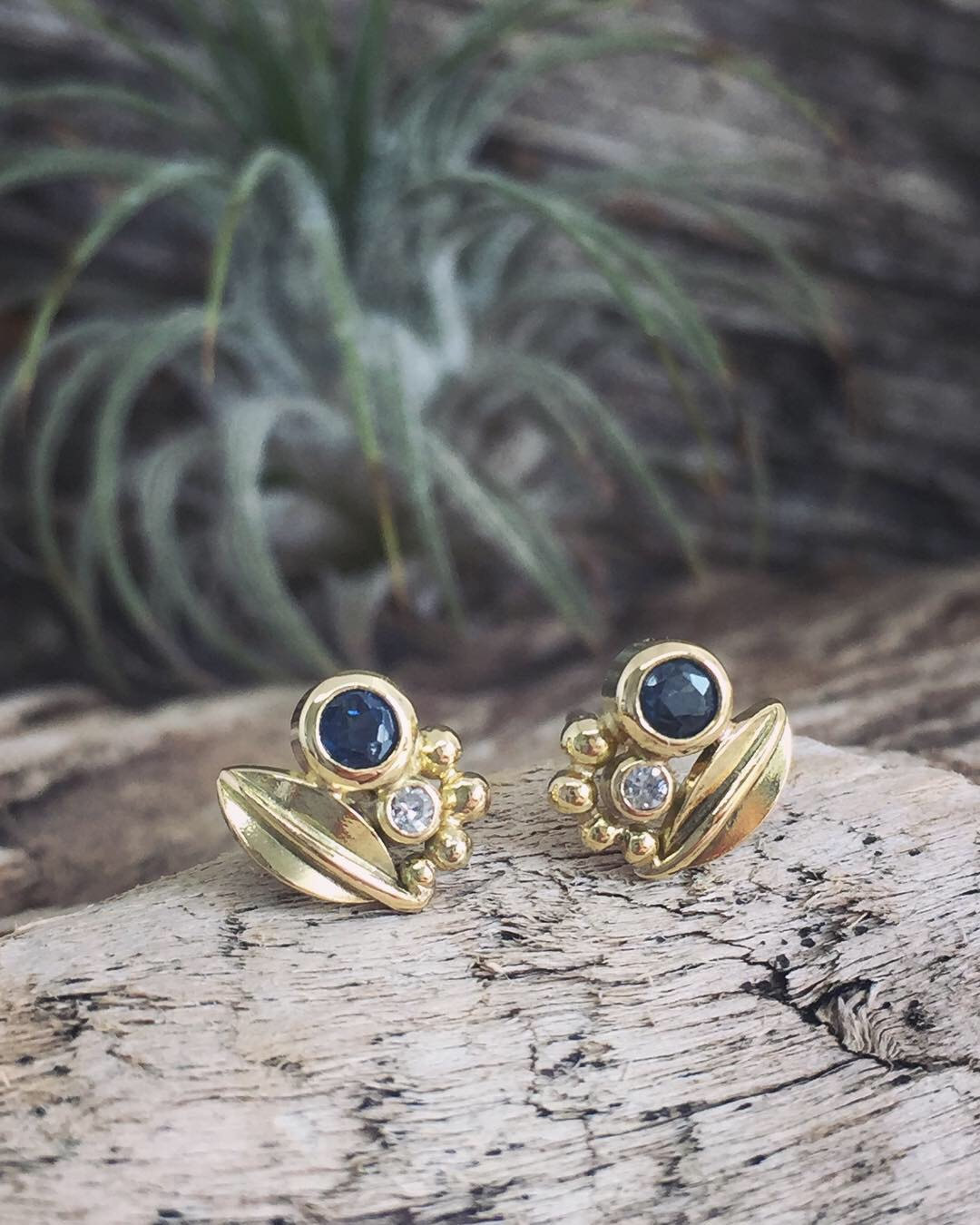 Gold Leaves and Sapphires