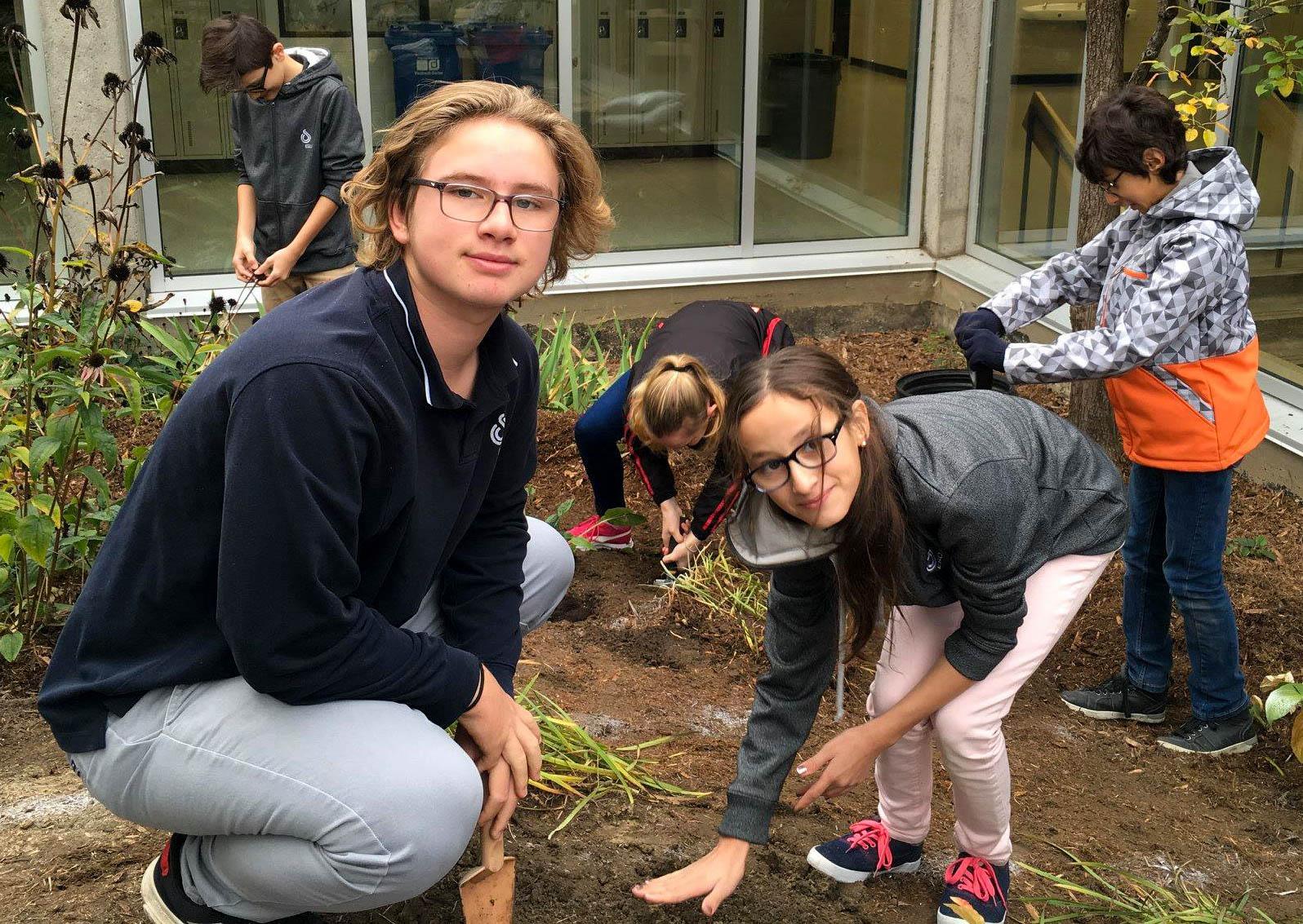 ESCJ Students Planting Bulbs (2).jpg