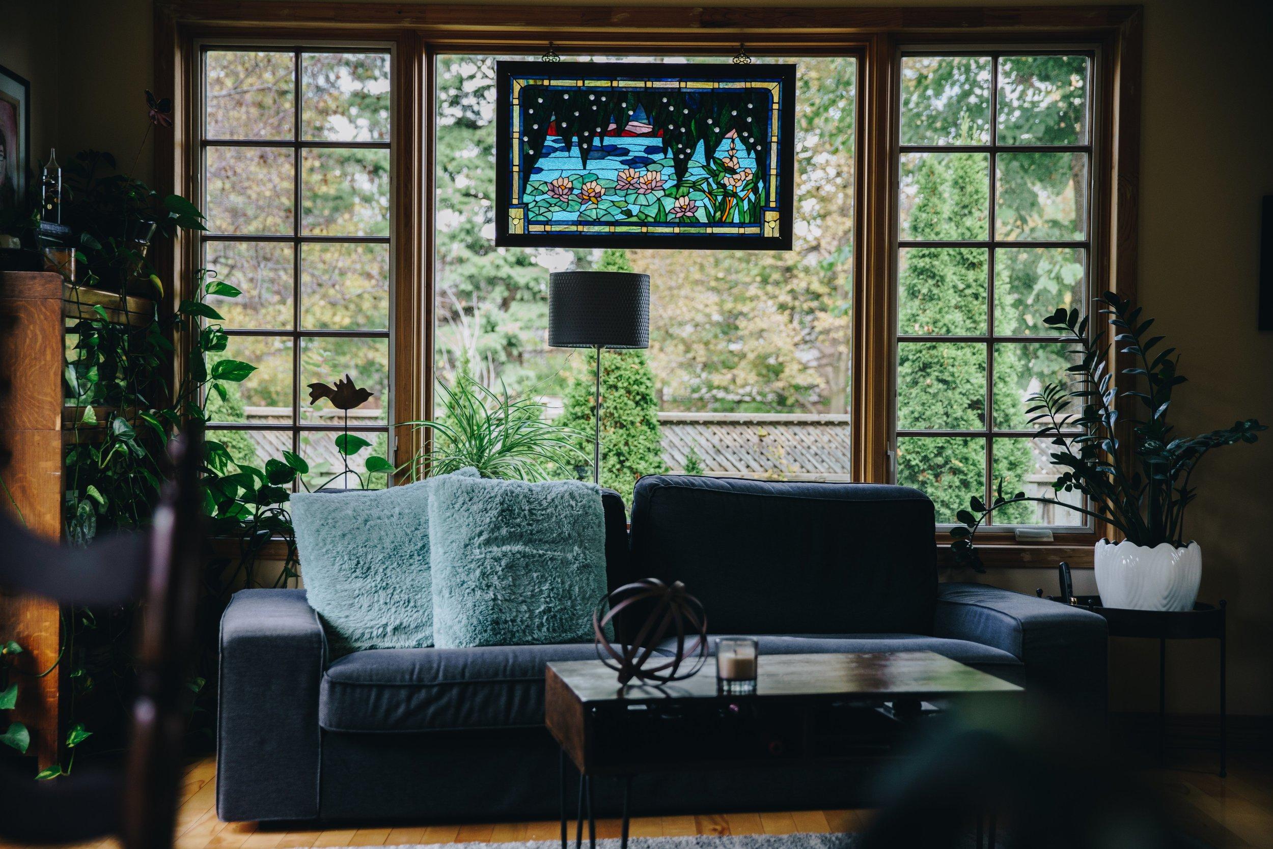 cozy-livingroom-with-window_4460x4460.jpg