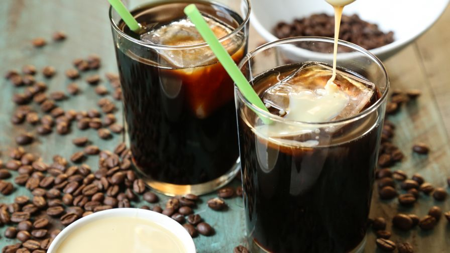 BBYePZZ4TAisolysQWvR_1coffee.jpg
