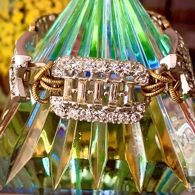 Vintage Art Deco is a time in history that was fabulous! This sparking beauty is a statement waiting to be wore.  #marciedjewelry #vintagejewelry #artdeco #sparkle #rhinestones #glamour #bracelets #sotoboutique