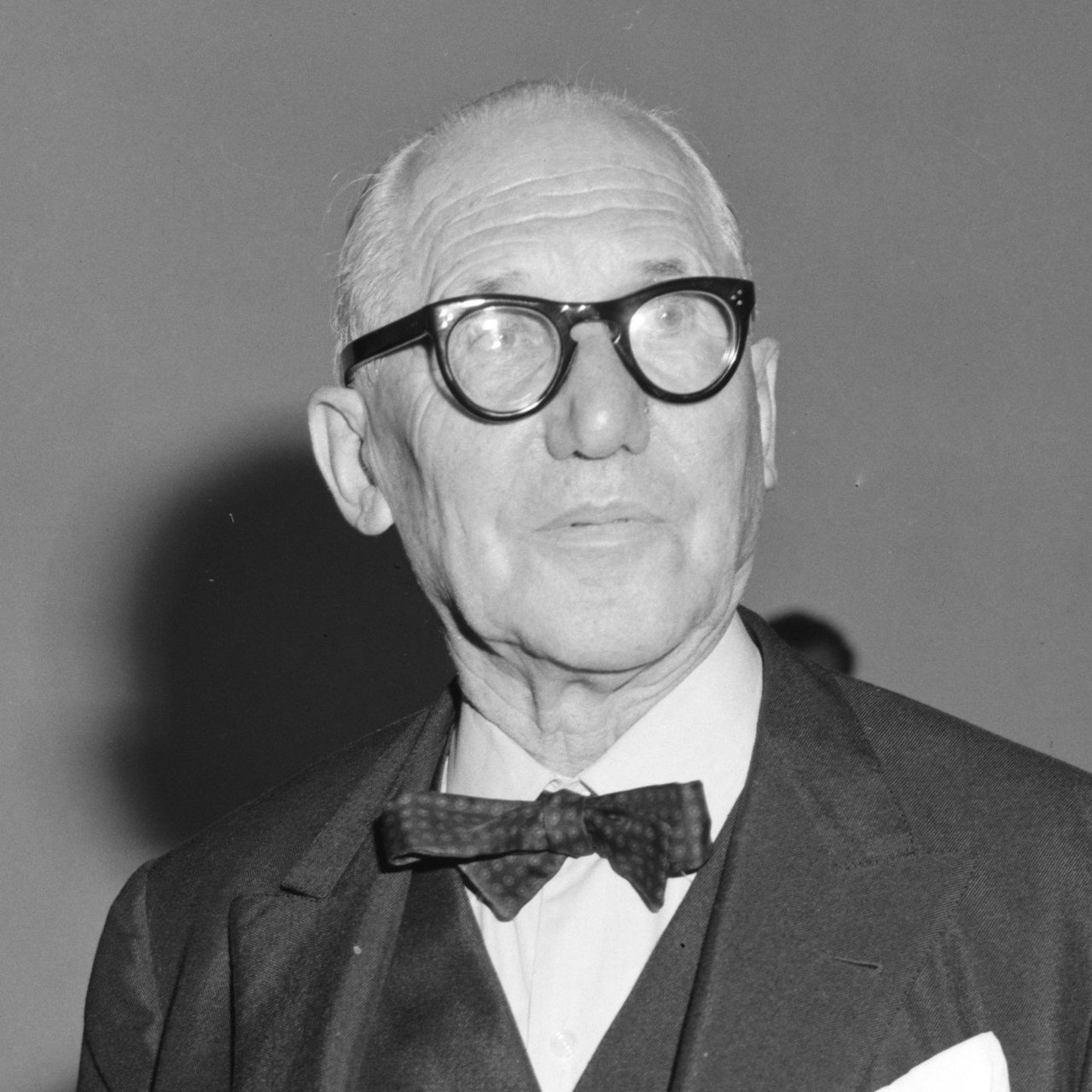 Le Corbusier (1887-1967) was a highly influential Swiss-French architect, artist, writer and urban planner. His contributions to urban planning were centred around restructuring crowded cities to improve the living conditions of residents in an efficient and replicable way.