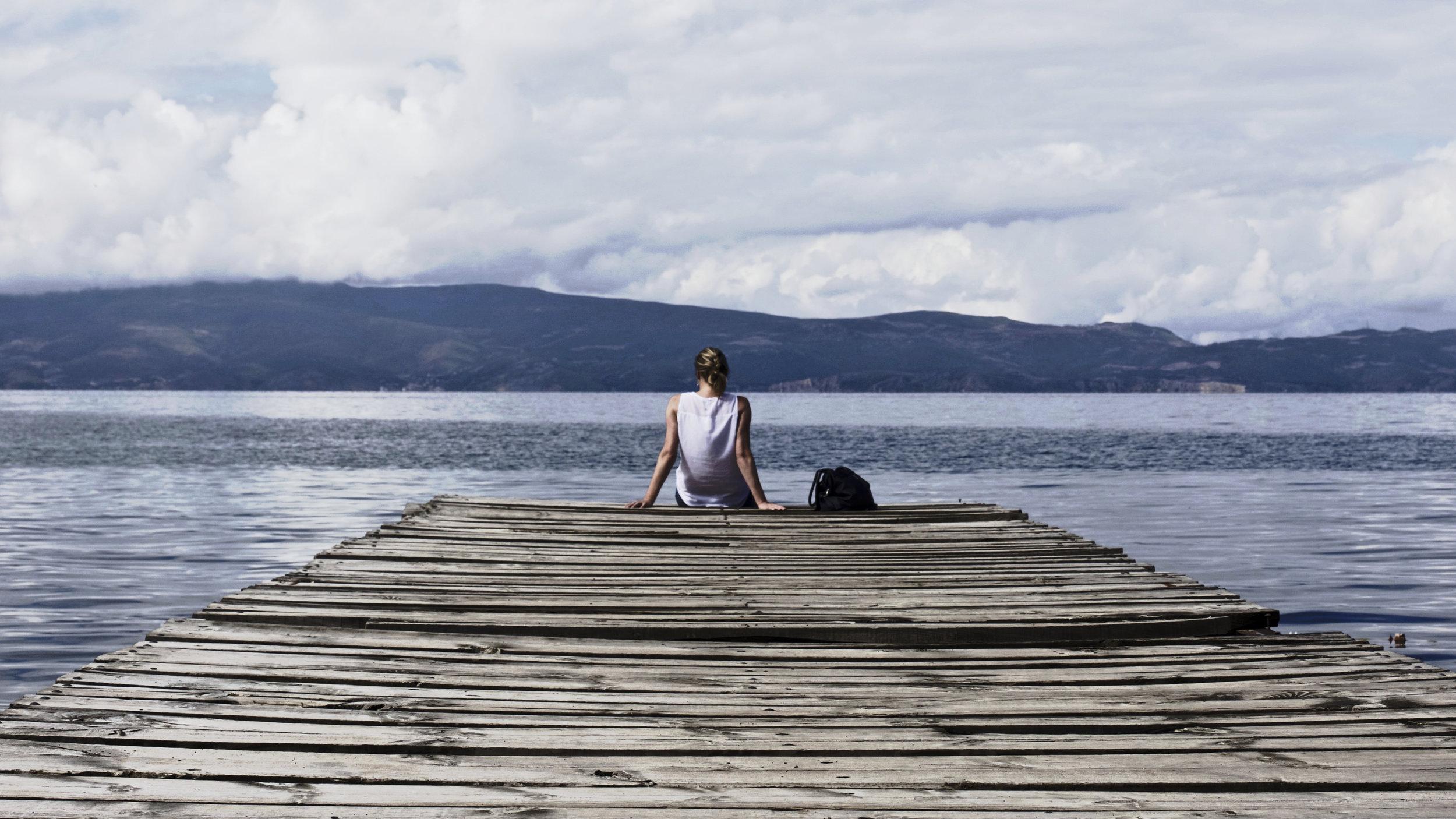 relax-at-lake.jpg