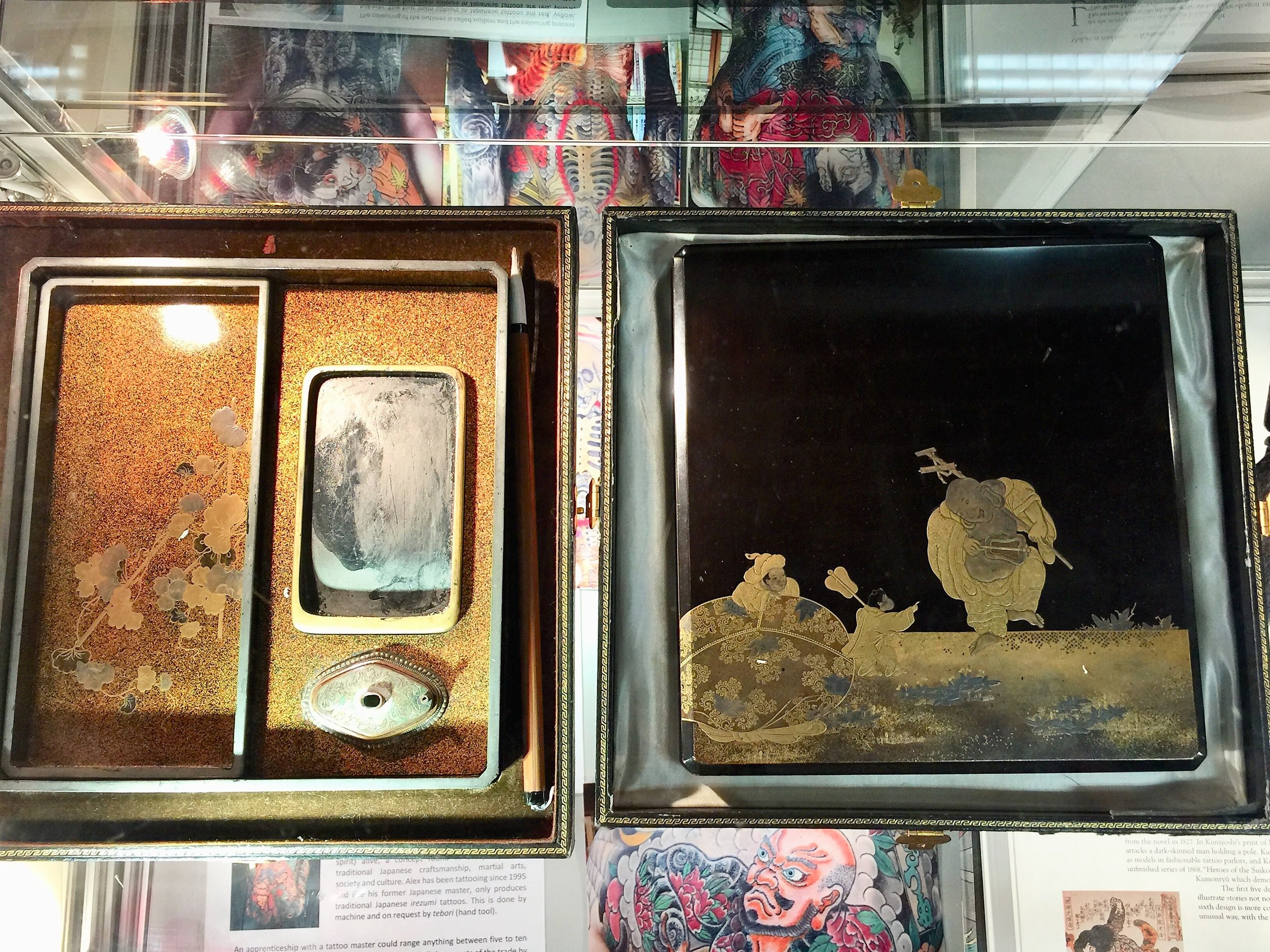 japanese lacquer trays (2).jpg