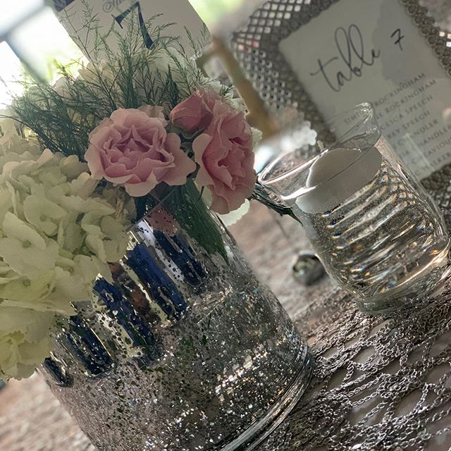 August 10, 2019 was a great day for @sweet__tee__ . Our in-house decor designer is amazingly talented! The decor was stunning! Call today to book with book your next BIG EVENT with us and ask about our decor packages.  #castlehill #castlehillpavilion #allinclusivevenue #decordesigner #perfectionwedding #navyandcandypink #florence #mississippi
