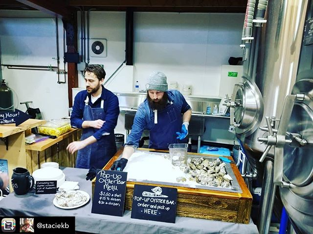 Thanks for the rollicking good time yesterday, @valleyhousebrewing ! Duvall sure knows how to party! (And by party we mean crush oysters like there's no tomorrow). Hope to see y'all again real soon. Thanks for the pic, @staciekb 🐚⚡️🤙 ............................................................................. Repost from @staciekb using @RepostRegramApp - Yes! Boom! Oysters for all!! @popupoysterbar Get a dozen and a cold beer!! #popupoyster #rawbar #valleyhousebrewing #housewarming