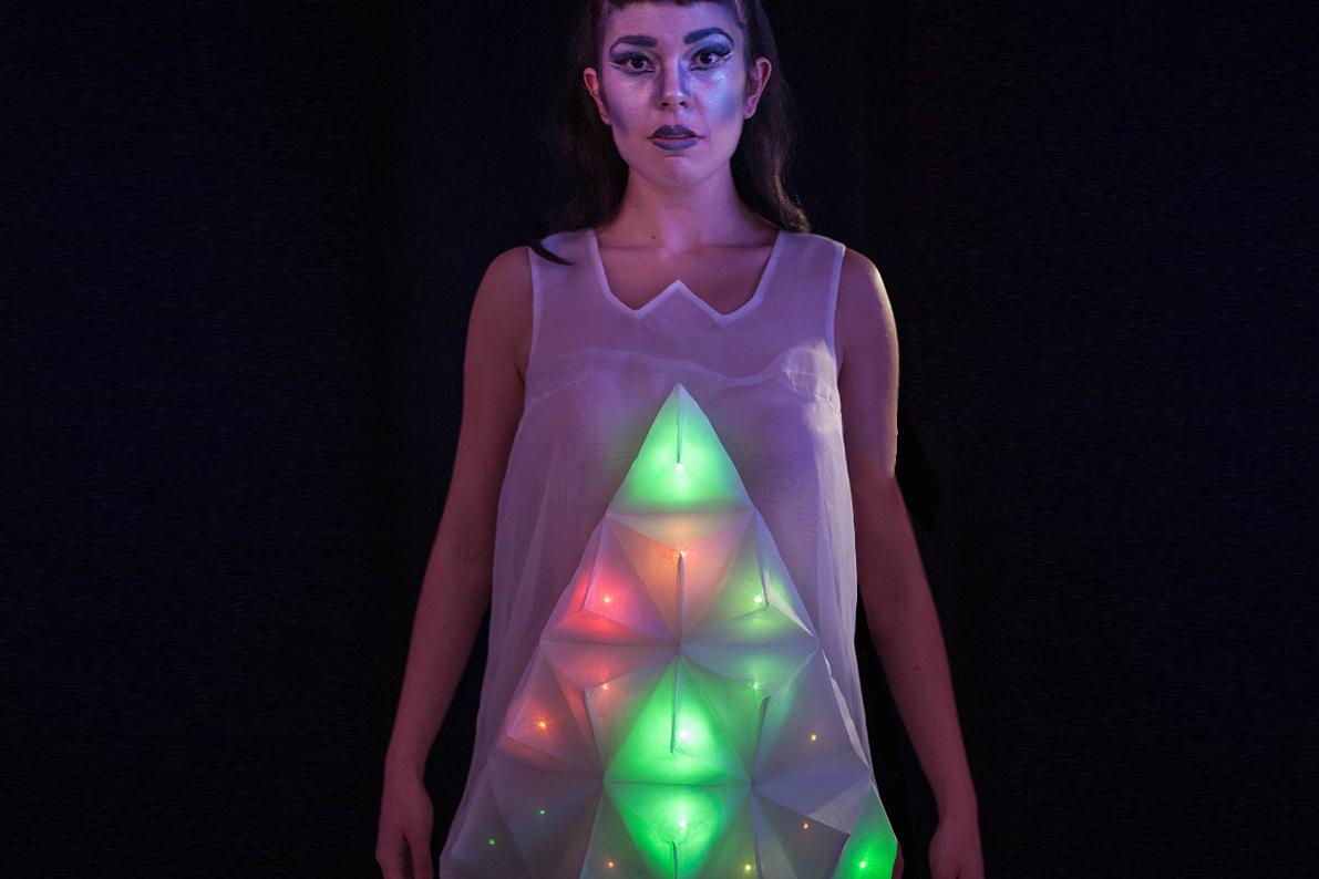 Prismatic - Nelia Justo,