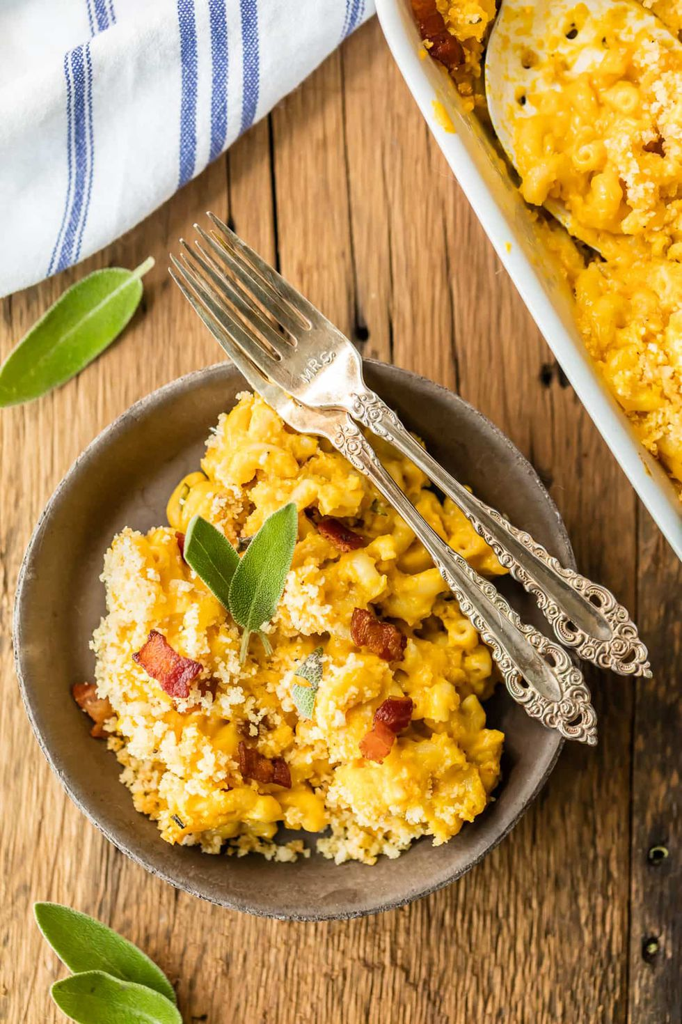 pumpkin-recipes-mac-and-cheese-1530050492.jpg