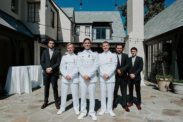 The groom and his boys 🖤🖤🖤 . . . . . #montanaphotographer #californiaphotography #beverlyhillswedding #beverlyhillsbride #lawedding