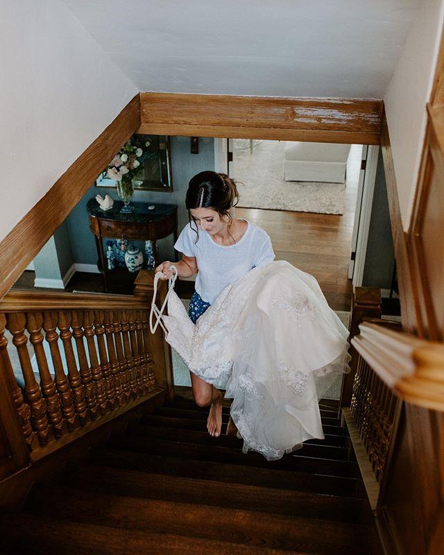 Just a bride and her dress ✨✨✨ . . . . #montanaphotographer #californiawedding #beverlyhillsbride #beverlyhillswedding