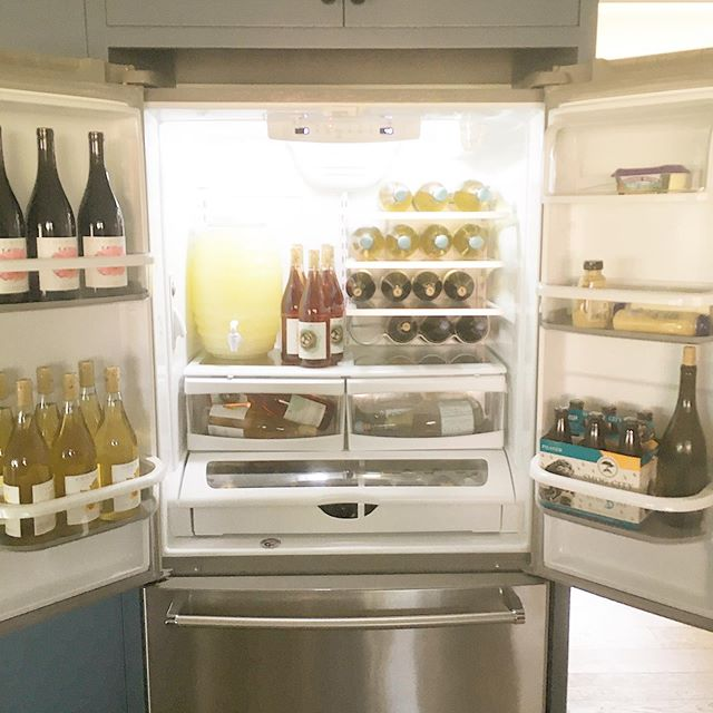 Looks like a Friday to me! What wine are you stocking your fridge with this weekend? #WINECULT #weekendvibes