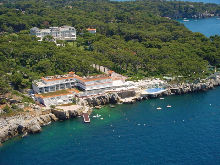 An aerial look at the front of Hotel du Cap–Eden-Roc, French Riviera.