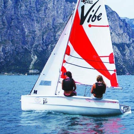 VIBE - · International Award Winning Design· ISAF 'Learn to Sail' class· Performance double hander· Novice – Racer