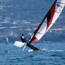 TOPAZ 14 - · International Award Winning Design,· ISAF 'Learn to Sail' class· Accessible high performance· Novice – Racer