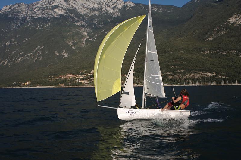 Sailboats_australia_slideshow8_opt.jpg