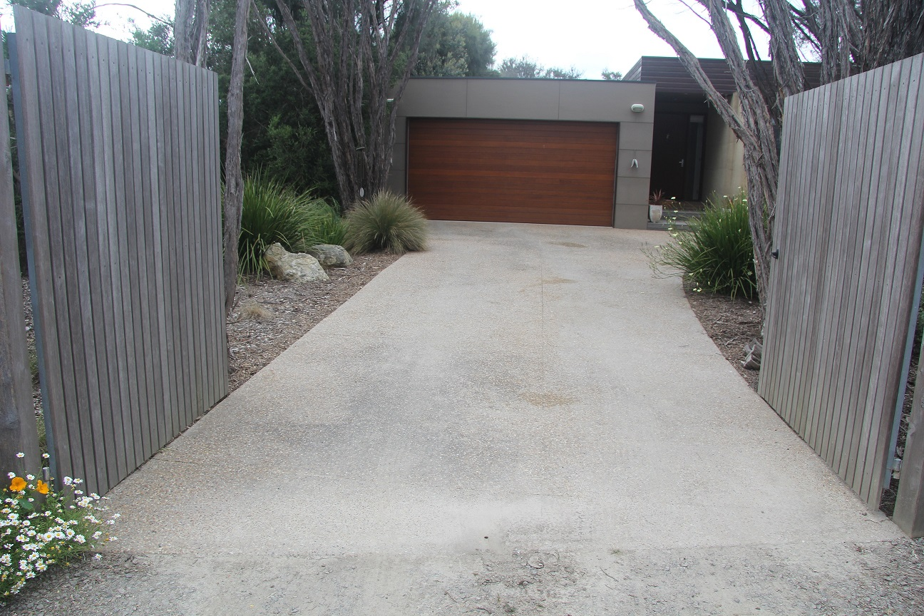 Pressure Cleaning, House Washing, Driveway Cleaning, Window Cleaning, Exterior Cleaning Mornington Peninsula Melbourne Bayside Cheltenham Sandringham Highett Hampton Brighton Prahran Malvern