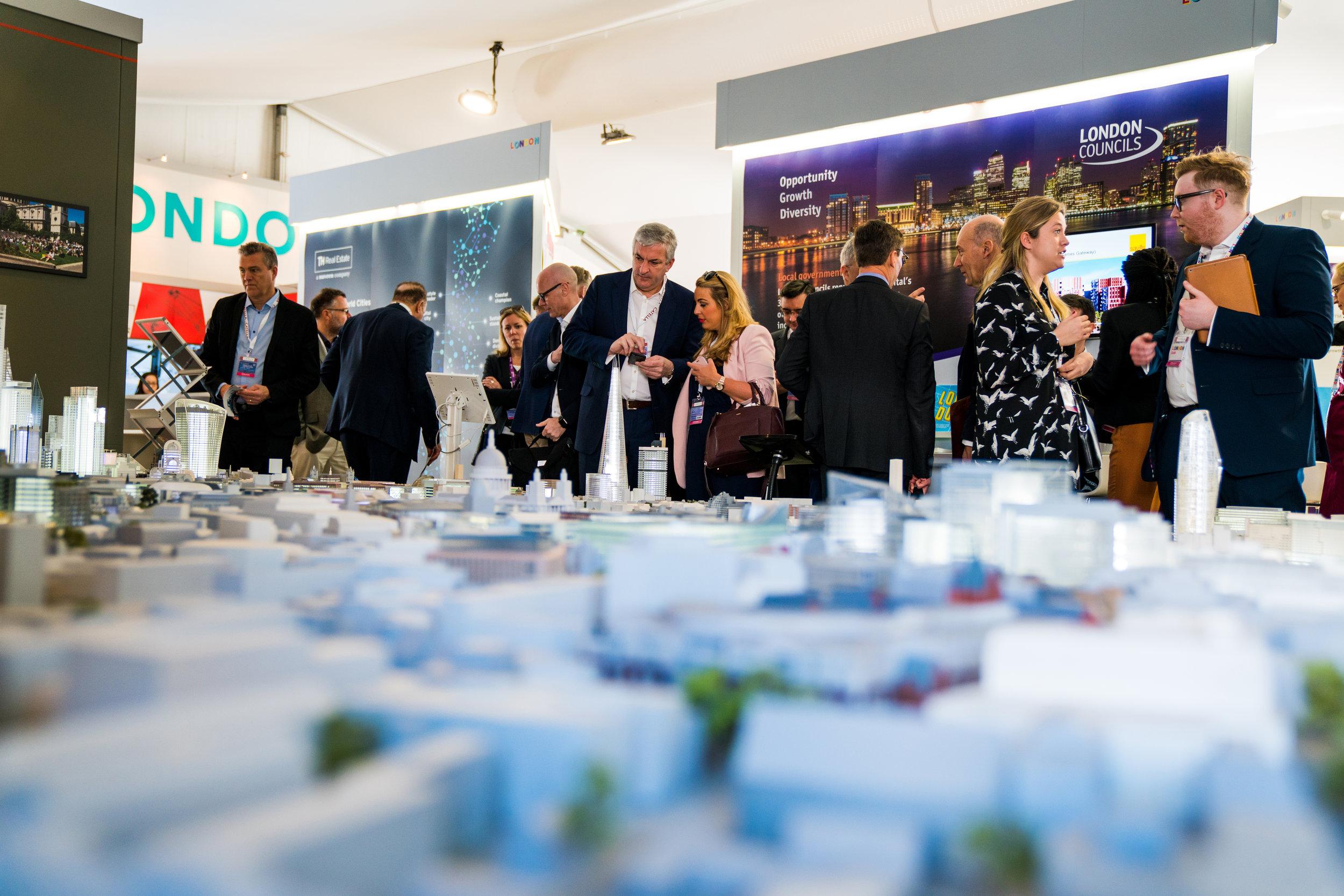 LONatMIPIM18_city model delegates.jpg