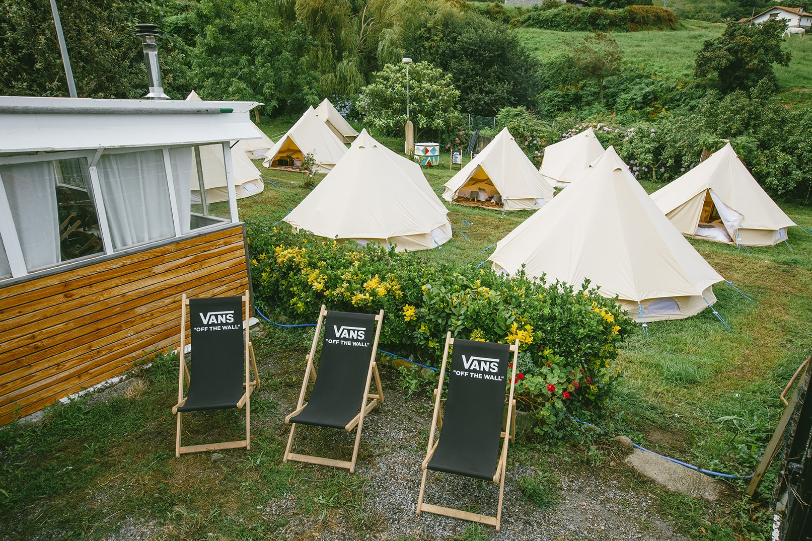 Corporate Events - If you're looking to host a corporate event in the Pays Basque, think outside the usual hotel booking and check your guests or clients into a Snazzy Camp bell tent.Or Looking for an alternative team building escape? Snazzy Camp is ready made glamping for corporations that are adventure rich but time poor.
