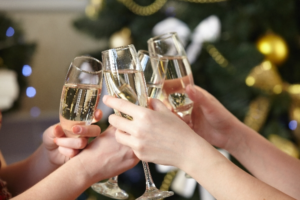 Champagne glasses600.jpg