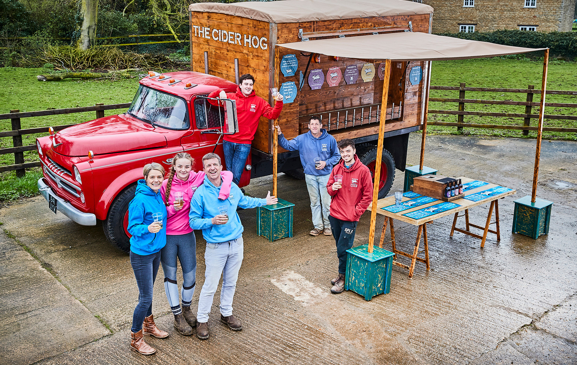 cider-hog-mobile-bar-18a.jpg