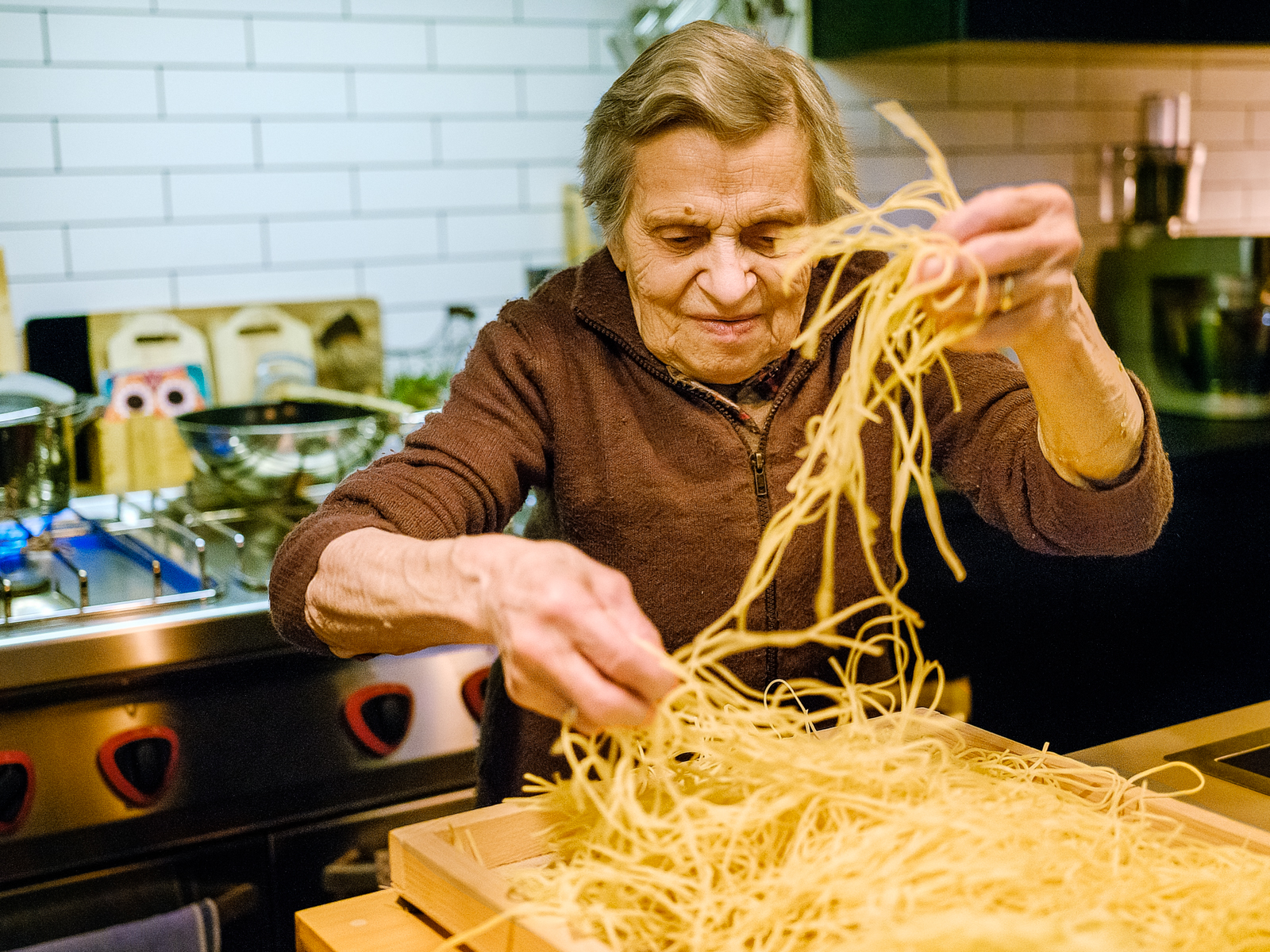 Home made pasta prepared and cooked by the Nonna is great treat and tastes like heaven (f/2.8, 1/60s, ISO 12'800)