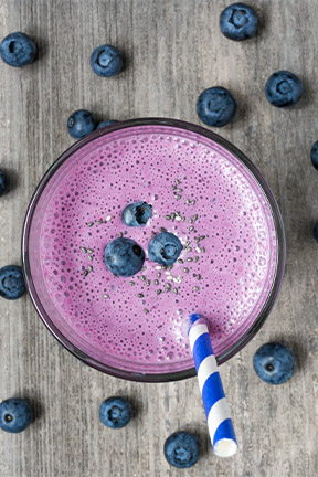 blueberry smoothie.jpg