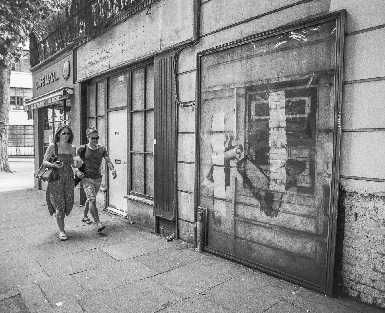 Banksy's 'Cash Machine',Rosebery Avenue, London - ARTVISIT ..