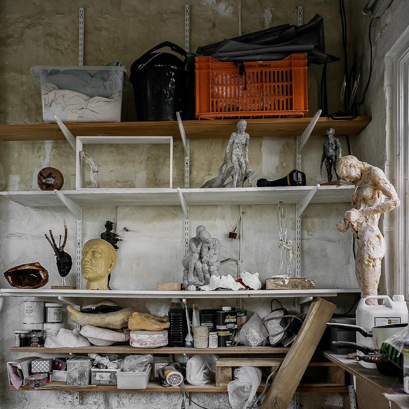 Studio Visit: Anna Gillespie - ARTVISIT.........