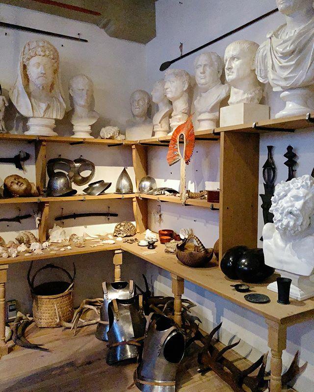 Rembrandts' Collection. . #rembrandt #rembrandthouse #artvisit #artiststudio #studiovisit #interiorstyle #oldmasters #artcollection