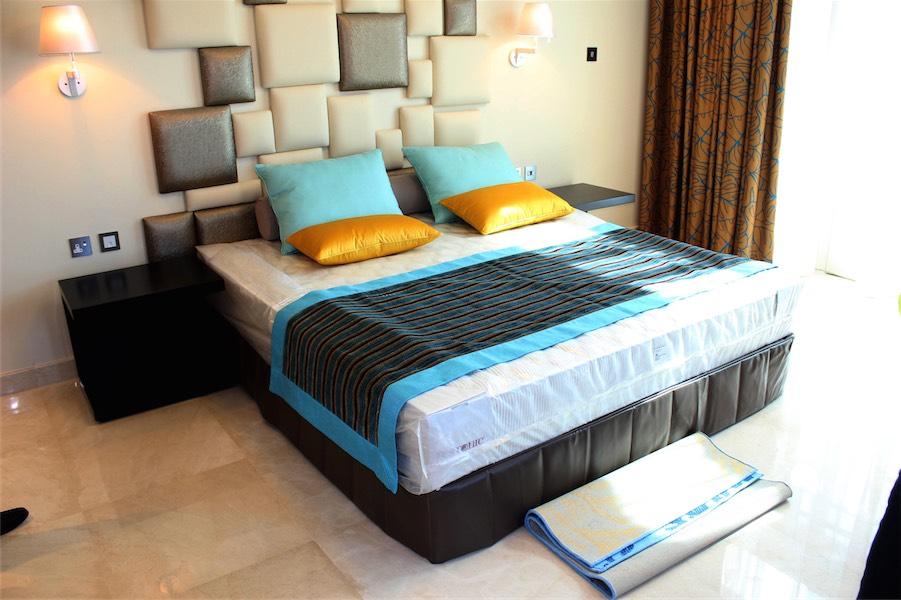 UAE-Palm-hotel-8.jpg
