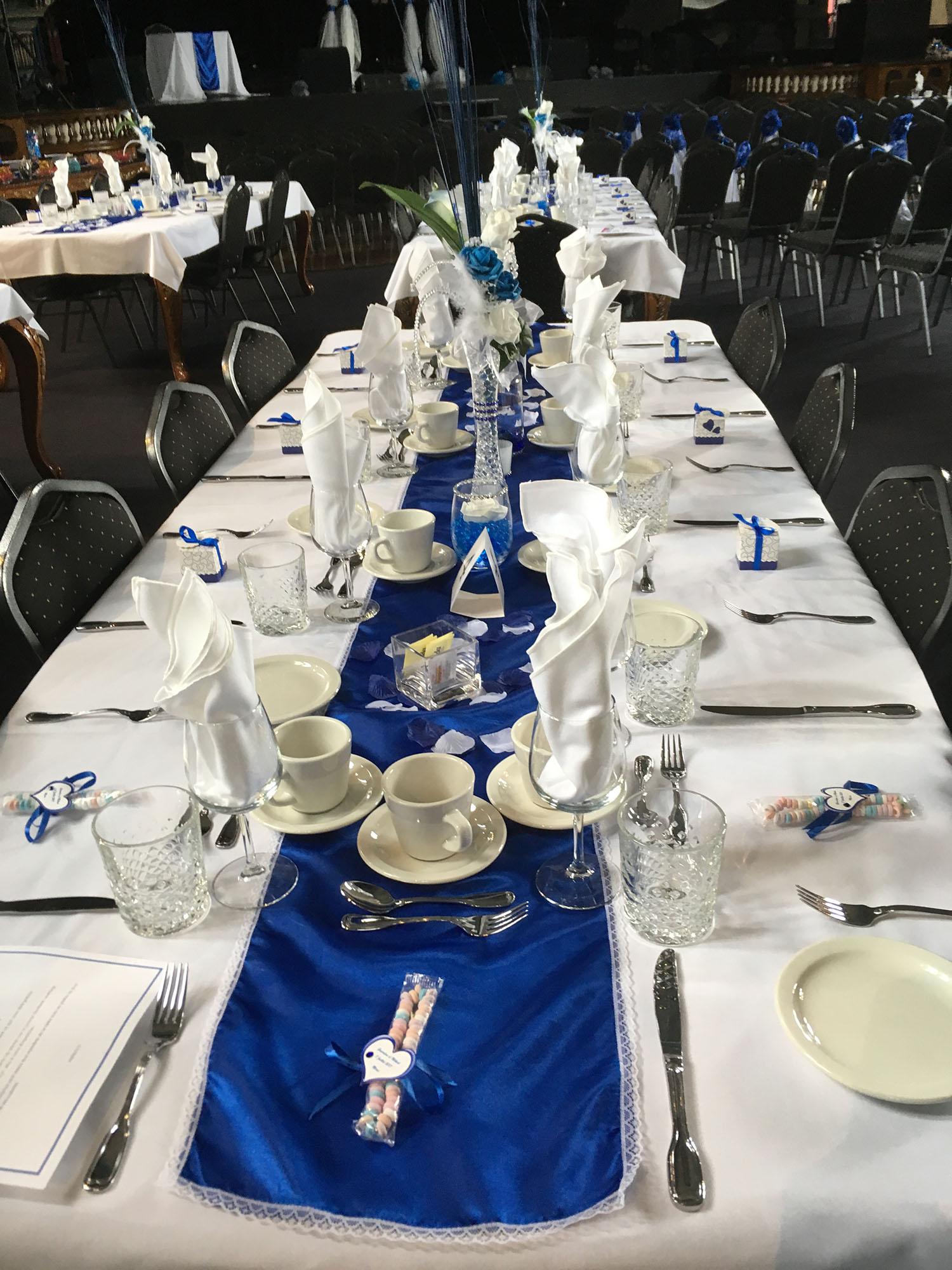Table bleu.jpg